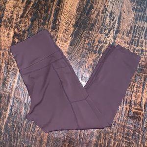 ZYIA light n tight Capri leggings. W pockets!